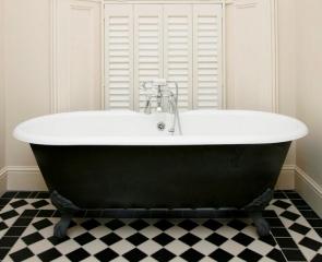 bathroom-interior-shutters-white