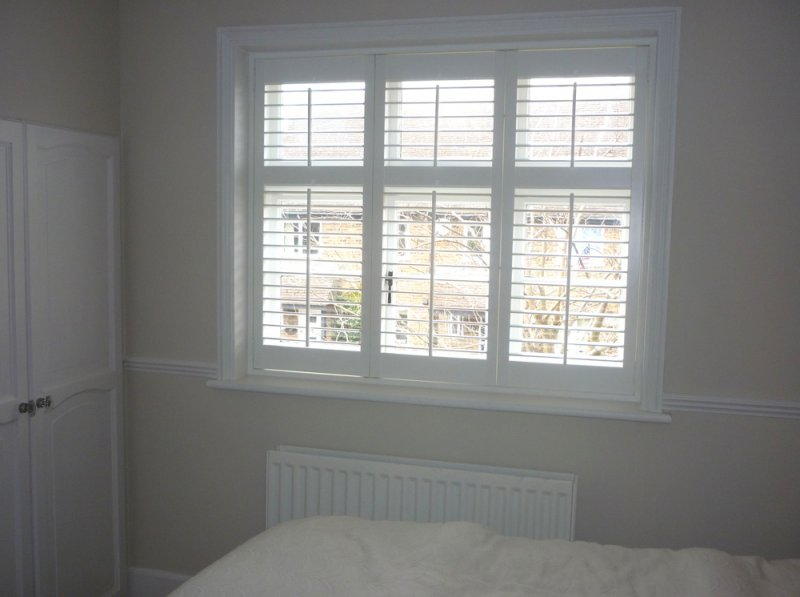 Plantation Shutter 2017 Grasscloth Wallpaper
