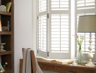 seattle-mdf-shutters-silk-white